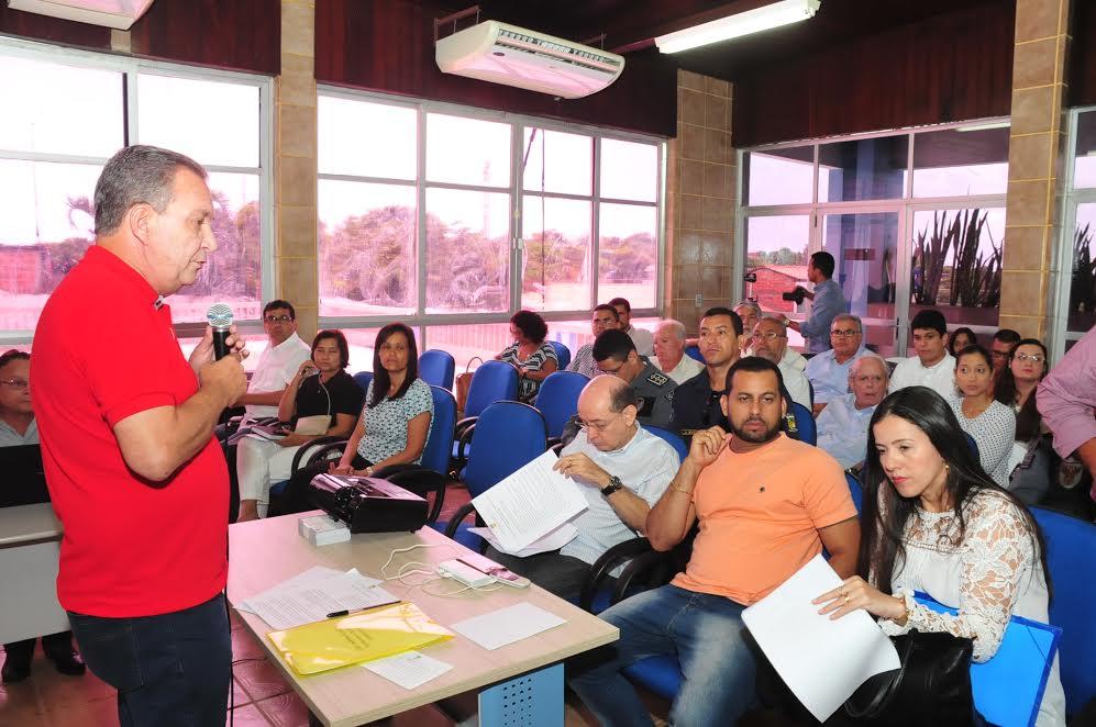 Luis Fernando durante apresentação do planejamento do carnaval