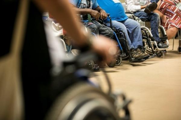 Acordo garante transporte gratuito a pessoas com deficiência