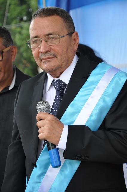 Prefeito Shirley Mota (PSDB), conhecido como 'Sissi Viana'.