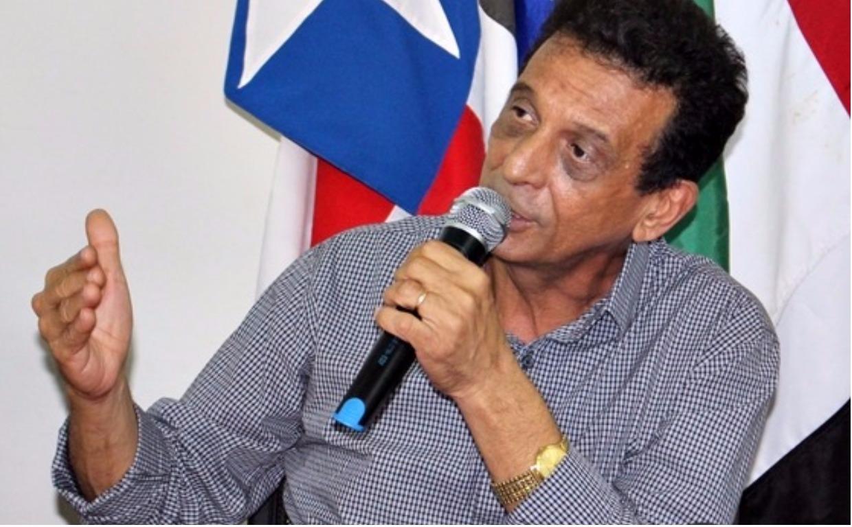 Prefeito Juscelino Oliveira tenta impedir que presidente da Câmara seja reeleito