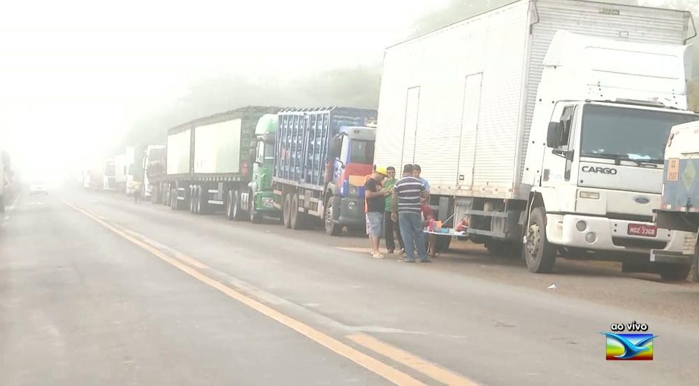 Caminhoneiros mantêm bloqueio em oito trechos de rodovias Maranhão