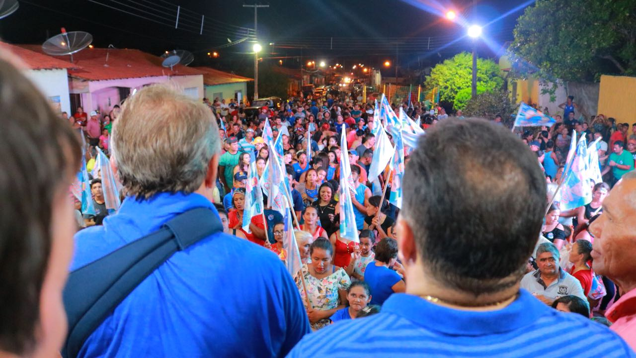 Vitorino Freire reuniu foi às ruas.