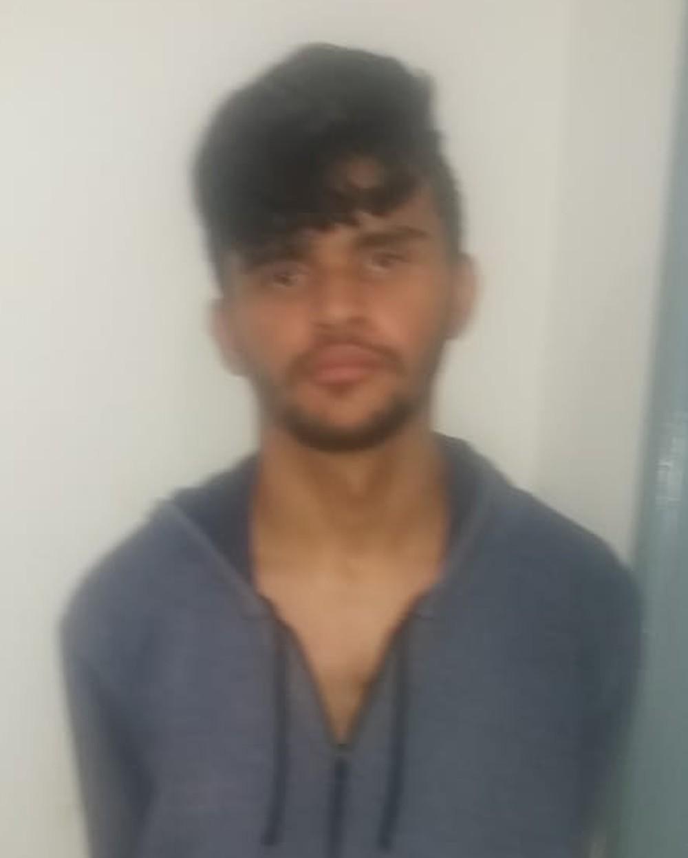 Paulo Ricardo Lima, de 18 anos, não aceitava o fim do relacionamento e resolveu invadir uma sala de aula armado